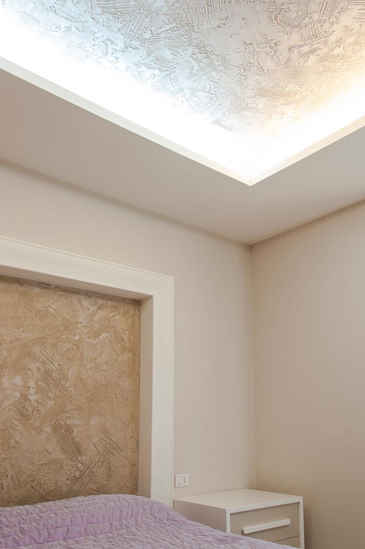 Volta Mantovana: resine per interior design a parete, a pavimento e a soffitto per casa privata