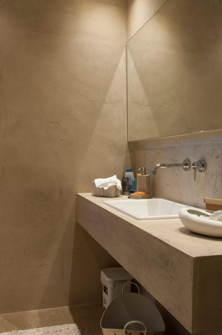 Volta mantovana resine per interior design a parete a pavimento e a soffitto per casa privata - Pareti doccia in resina ...