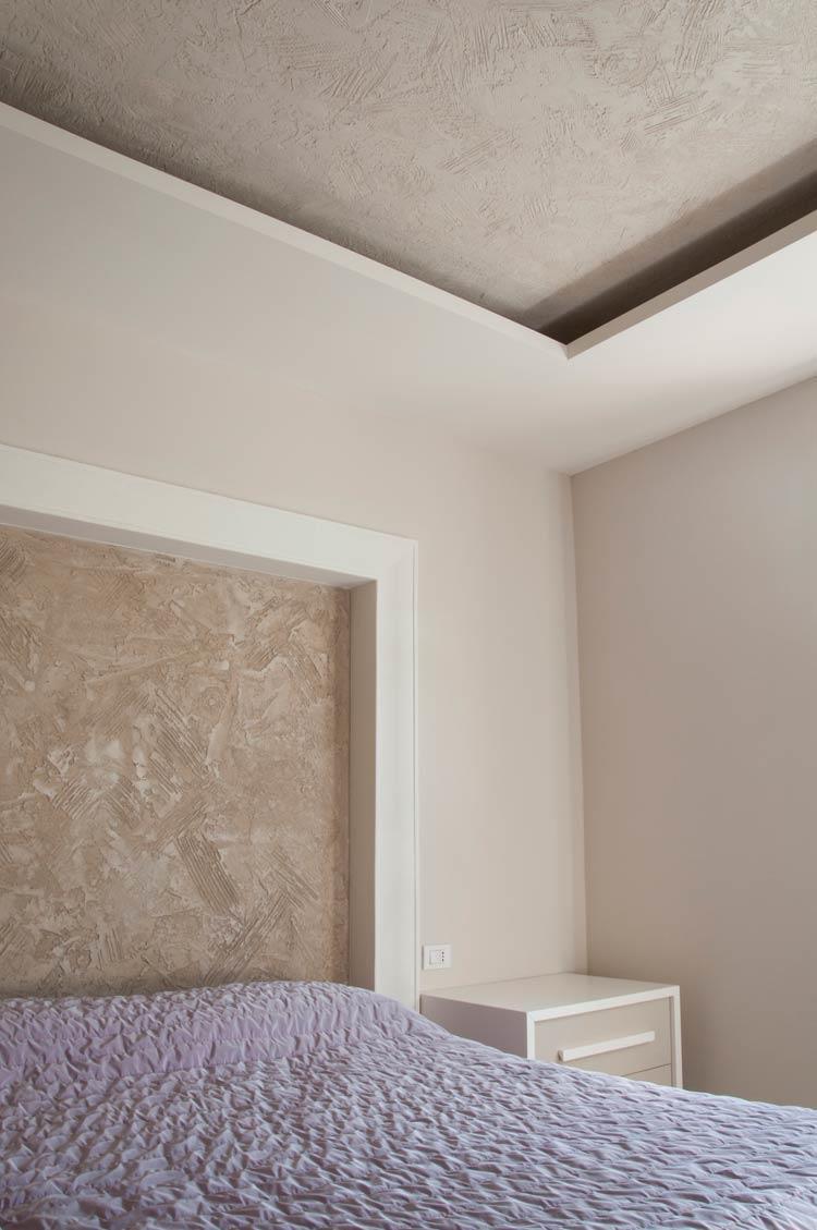 Volta Mantovana: resine per interior design a parete, a pavimento e a soffitt...