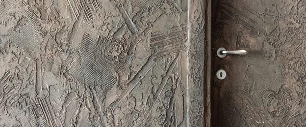Salotto Con Decorazioni Floreali Su Parete Interior Design: Interior ...